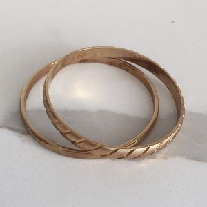 MONET Set of 2 Gold Bangles